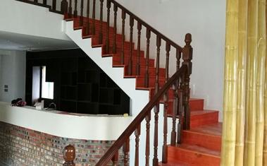 收银台实木楼梯护手设计安装施工案例