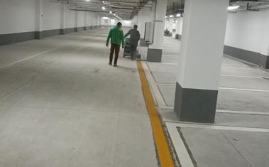 停车场通道边线施工